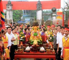 Đặc sắc cỗ xôi gà và hoa quả trong lễ hội Đình Đào Xá